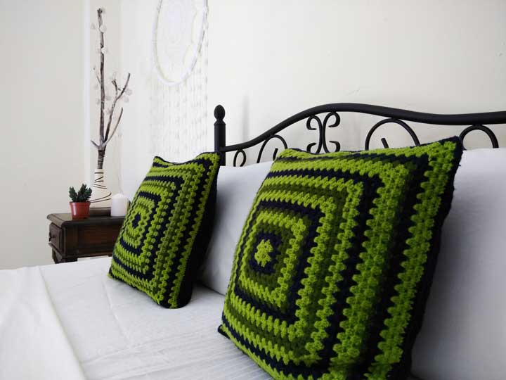 crochet pillows, granni squere pattern