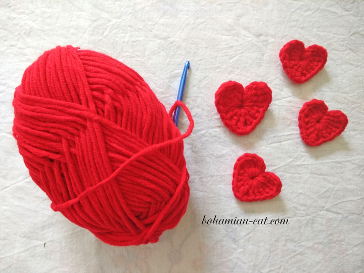 One minute crochet heart applique pattern