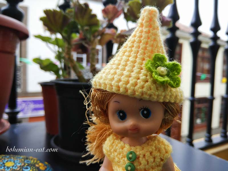 Crochet elf hat for Kelly doll 4""